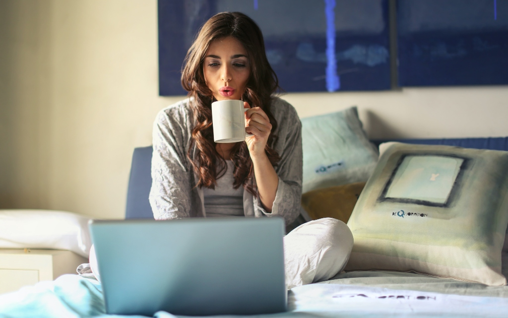 10 предимства да учиш и работиш онлайн